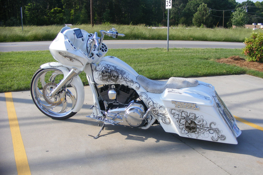 Gas Man 26 inch White Road Glide